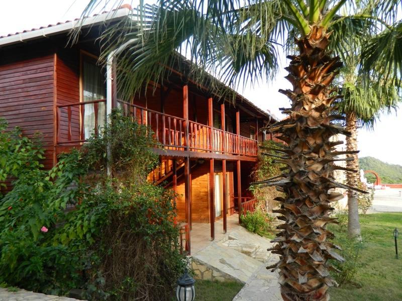 Adrasan Club Sun Village / Havuzlu butik otel /  Adrasan Balayı oteli / Bungalov odalar / Adrasan otelleri / Ağaç evler